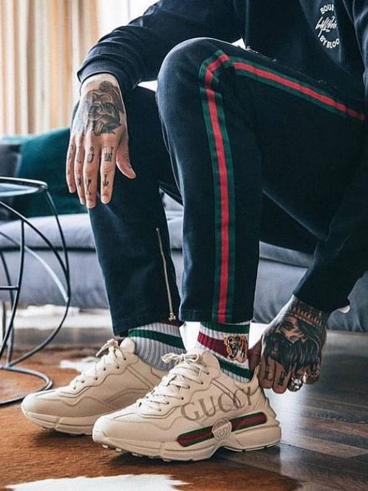 TOP1 GUCCI Rhyton Sneakers outfit 02